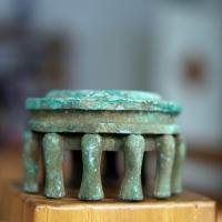 古老的青铜文用品