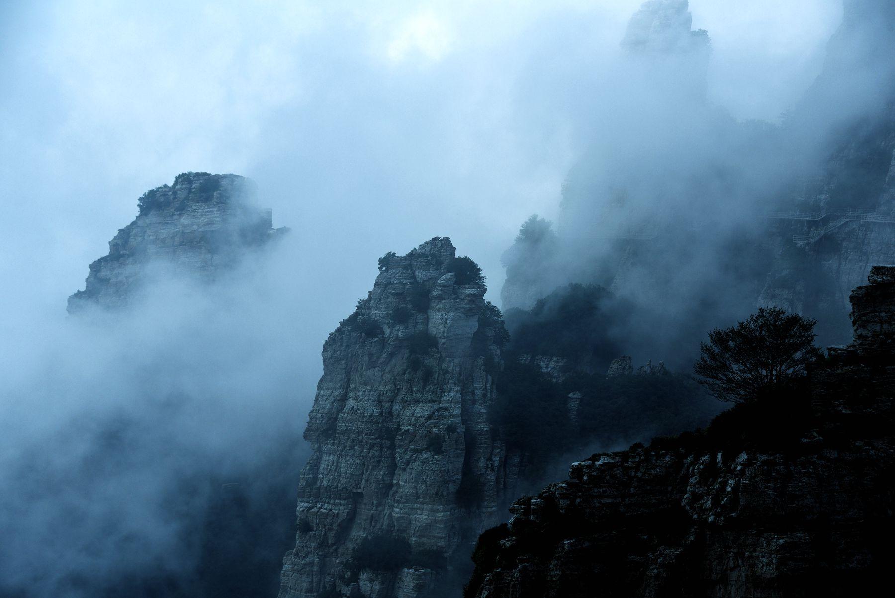 加入京内  扫一扫,用微信登录  x  河北白石山风景如画,云雾缭绕,是个