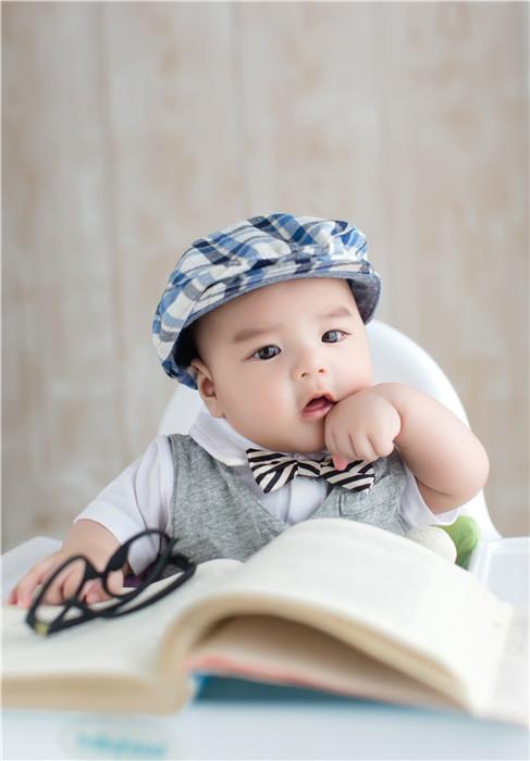蓝鲸儿童摄影:www.lanjing.cc 地址:南京秦淮区明匙路108号一层底商(蓝鲸儿童摄影) 联系方式:QQ:44776 ...