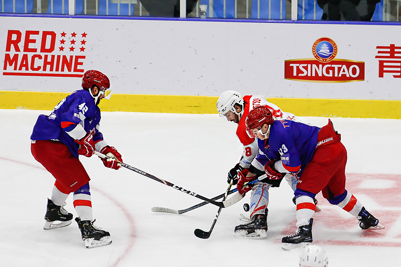 冰球比赛_38I3562.jpg